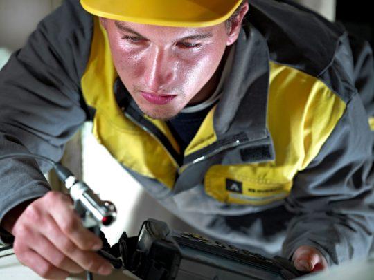 Porträt Industriearbeiter Corporate Image Porträtfotografie Industriefotografie Schweiz #porträtfotografie #industriefotografie #corporateimage Werbung Imagekampagne Industrie