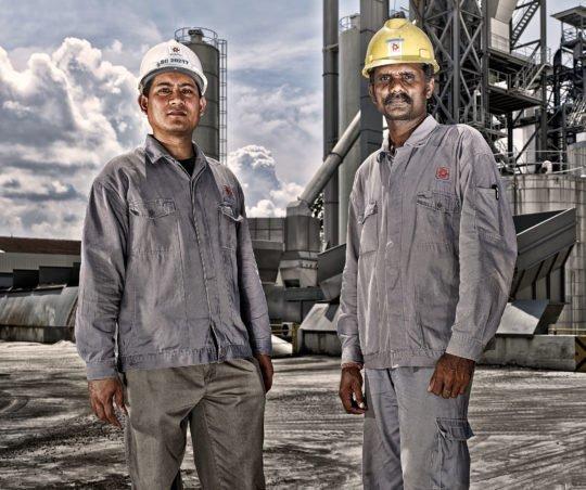 Porträt Industriearbeiter Corporate Image Porträtfotografie Industriefotografie SAMWOH Singapur #porträtfotografie #industriefotografie #corporateimage Werbung Imagekampagne Industrie