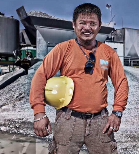 Porträt Industriearbeiter Corporate Image Porträtfotografie Industriefotografie Philippinen #porträtfotografie #industriefotografie #corporateimage Werbung Imagekampagne Industrie